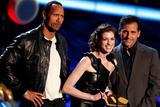 http://img239.imagevenue.com/loc142/th_71038_Anne_Hathaway_2008-06-01_-_2008_MTV_Movie_Awards_933_122_142lo.jpg