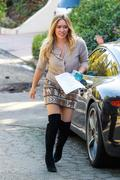 http://img239.imagevenue.com/loc376/th_599027514_Hillary_Duff_going_to_work_LA4_122_376lo.jpg