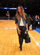 Ciara at a Knicks Game at Madison Square Garden 16th January x5
