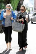 http://img239.imagevenue.com/loc501/th_987979480_Hilary_Duff_has_coffee_date_with_friend_in_Studio_City21_122_501lo.JPG