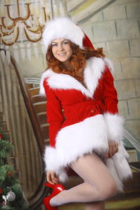 http://img239.imagevenue.com/loc81/th_531072195_silver_angels_Sandrinya_I_Christmas_1_018_123_81lo.jpg