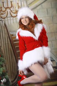 http://img239.imagevenue.com/loc81/th_531072195_silver_angels_Sandrinya_I_Christmas_1_018_123_81lo.jpg